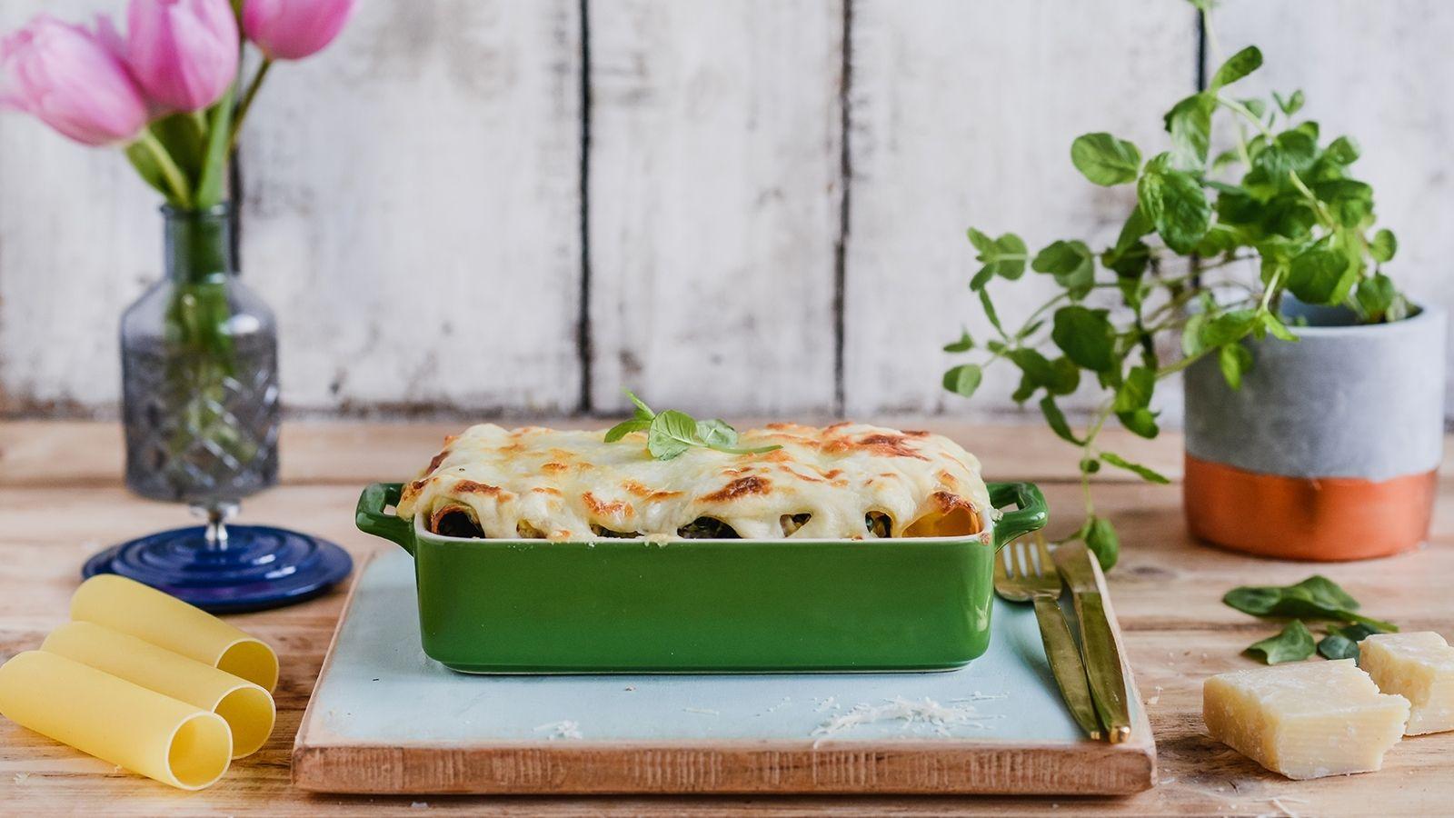 Cannelloni ze szpinakiem, szynką i mozzarellą