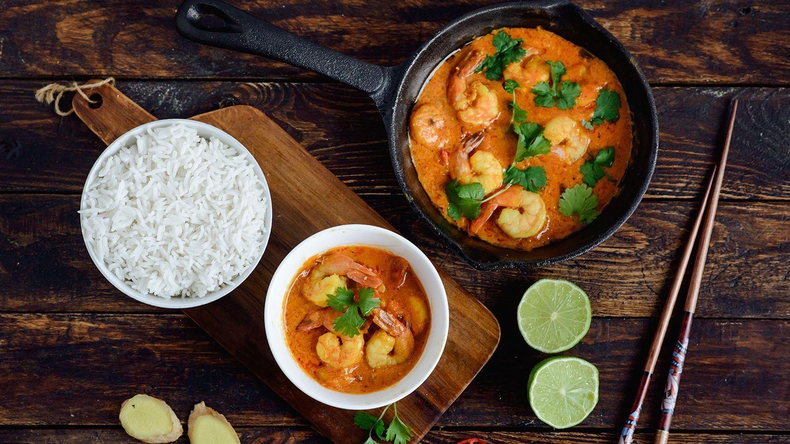 Curry z krewetkami na mleku kokosowym z imbirem