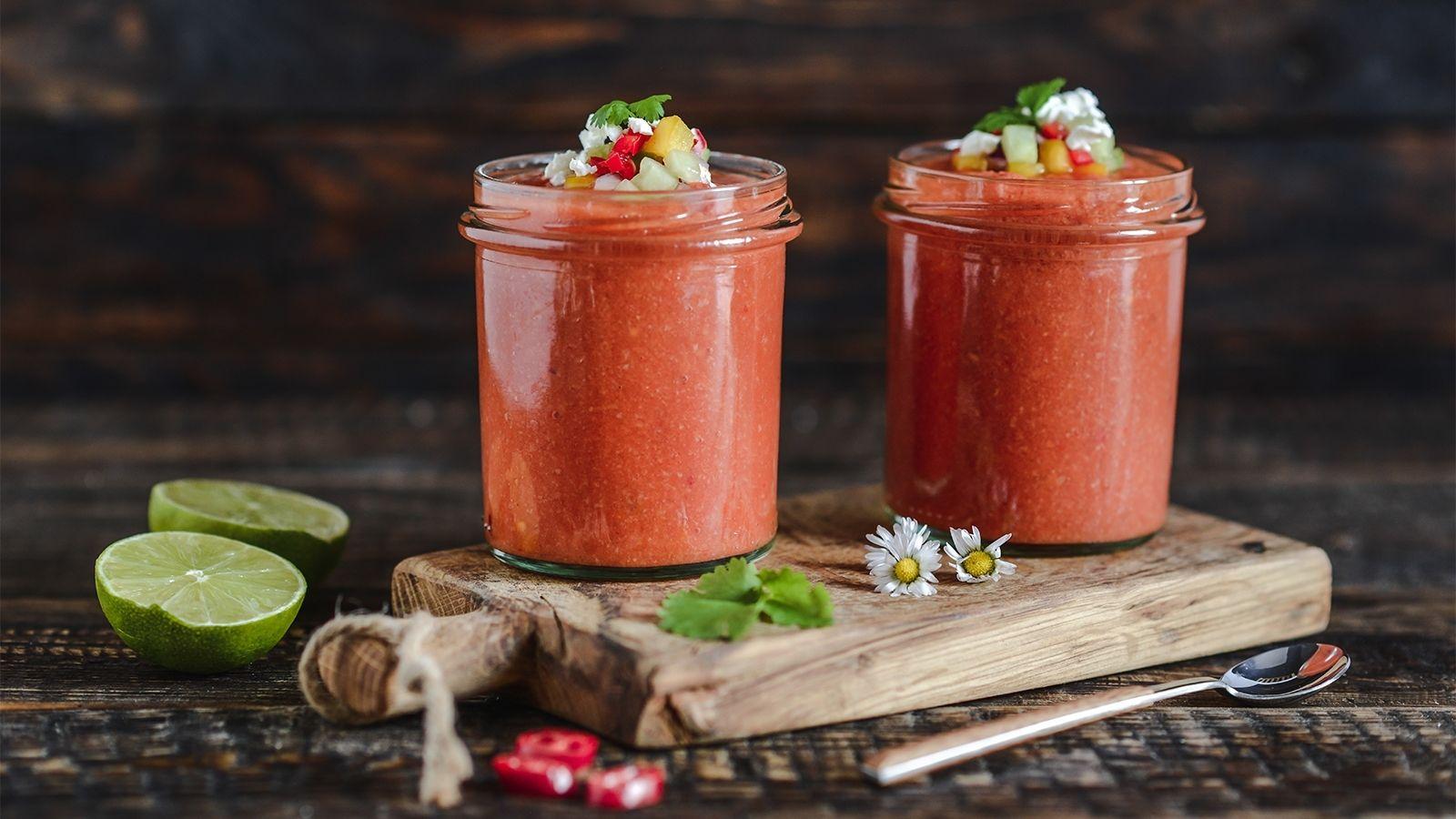 Gazpacho - chłodnik pomidorowy z chili