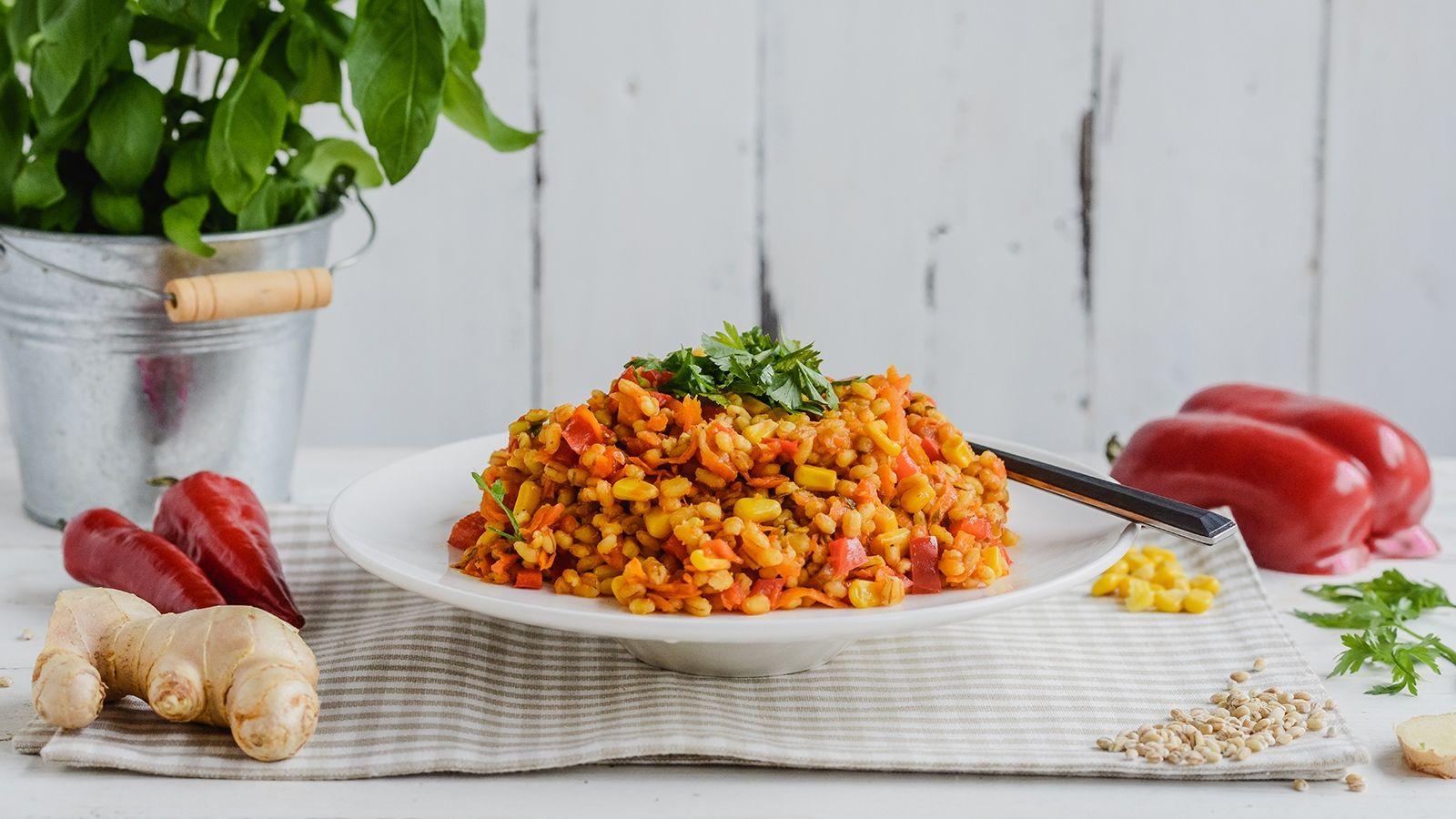 Kaszotto chakalaka z papryką, imbirem, kukurydzą i kolendrą